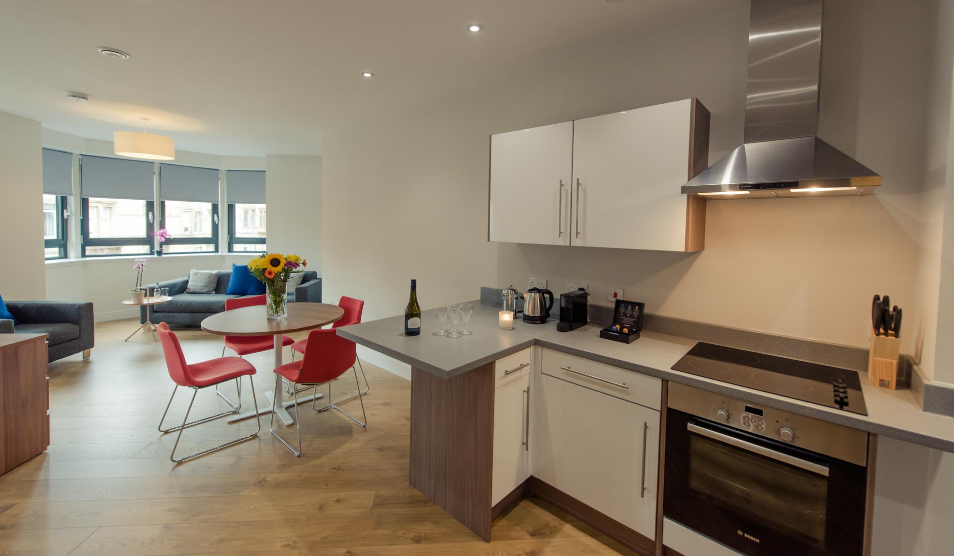 Kitchen living area of PREMIER SUITES PLUS Glasgow Bath Street
